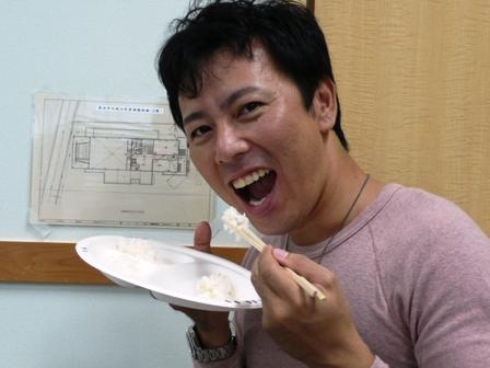 セミナー 試食(社長).JPG